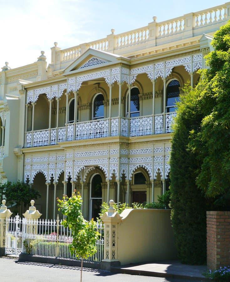 Maison De Fonte Dans Le Style Victorien Image stock - Image du ...