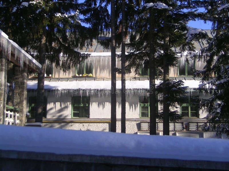 Maison de glace photographie stock libre de droits