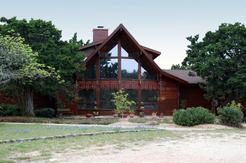 Maison de logarithme naturel photo stock