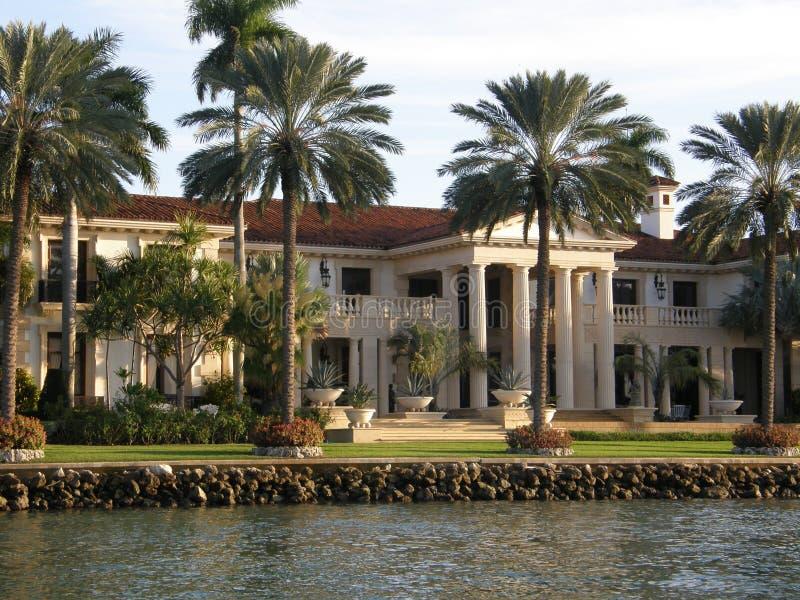 Maison de luxe à Miami image libre de droits