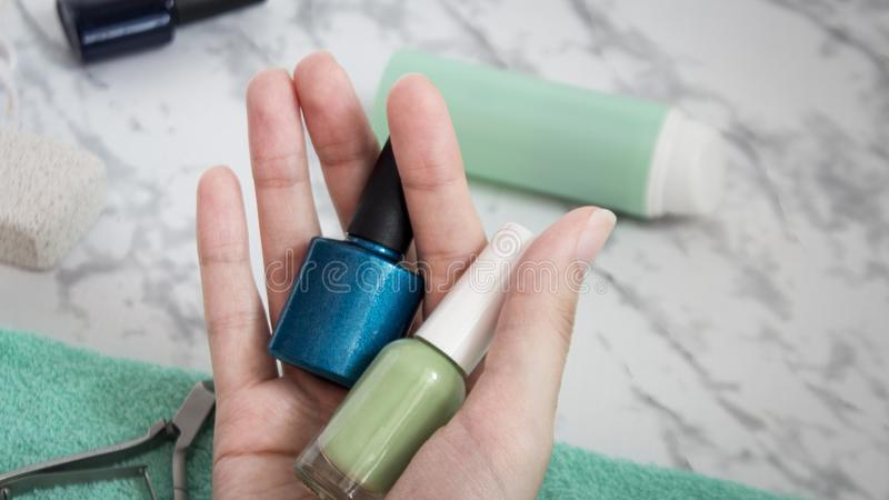 Maison de soins de la peau de main, manucure, salon de station thermale, beauté, mode, pour des femmes, vernis à ongles image stock