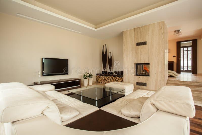 maison de travertin salon de cr ateur image stock image du construction domestique 28142543. Black Bedroom Furniture Sets. Home Design Ideas