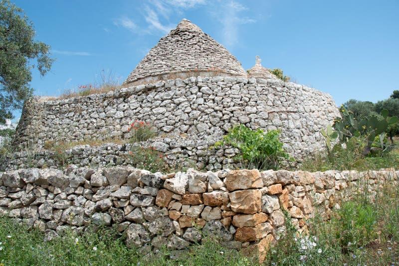 Maison de Trulli en Italie Puglia photo libre de droits