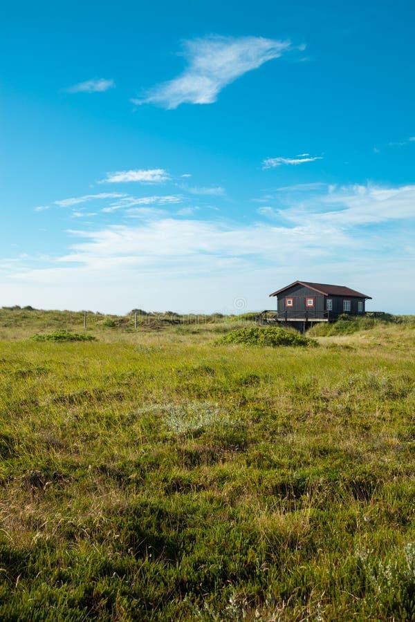 Maison en bois dans la nature photos libres de droits