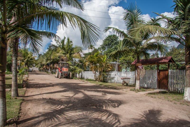 Maison en bois dans Oxapampa, Pérou photos libres de droits