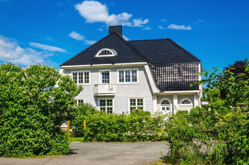 Maison en bois norvégienne typique Norvège photos stock