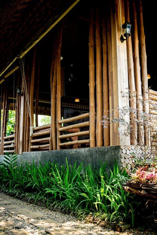 Maison en bois thaïlandaise de mur images libres de droits