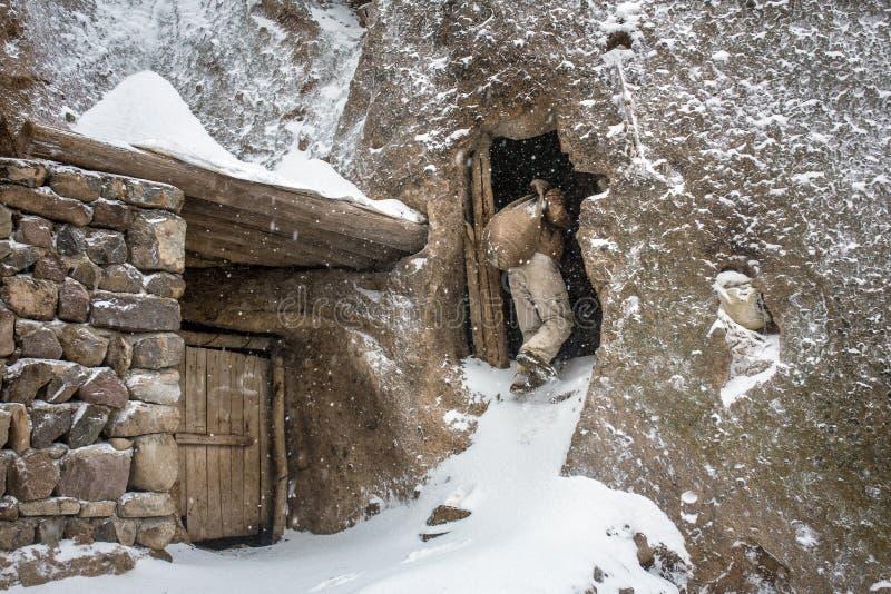 Maison en pierre dans le vilage Kandovan, Iran de troglodyte images stock