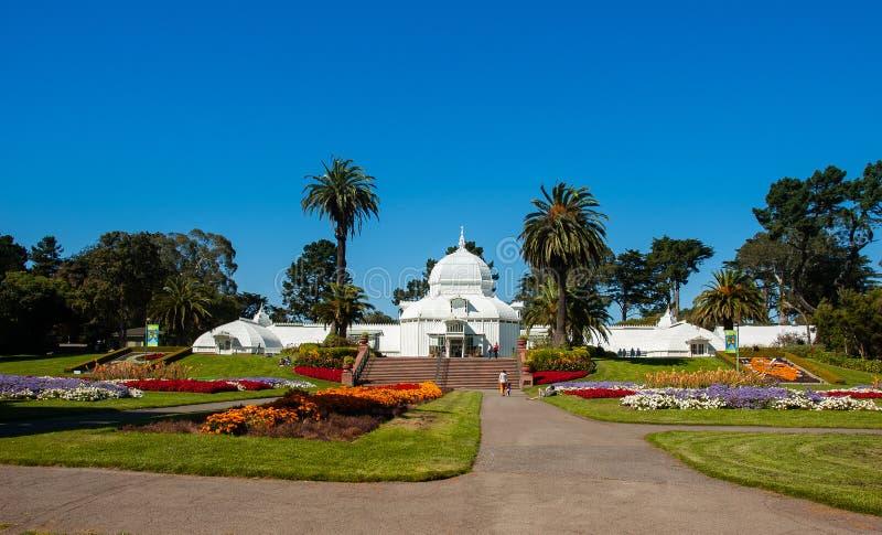 Maison en verre blanche de San Francisco Conservatory des fleurs, Etats-Unis photo stock