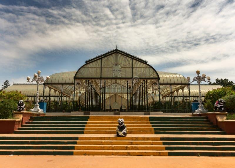 Maison en verre chez Lal Bagh Botanical Garden dans Bengaluru. photographie stock