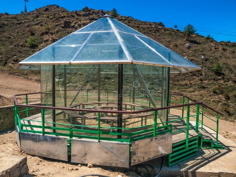 Maison en verre de montagne - Himalaya photographie stock libre de droits