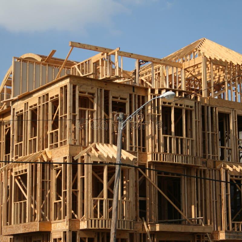 Maison encadrée en bois image libre de droits