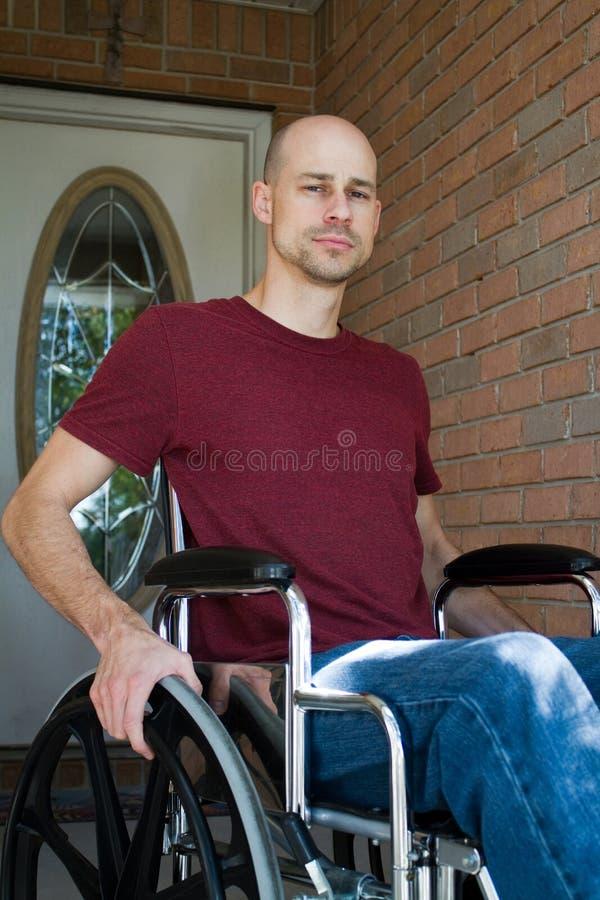 Maison handicapée d'homme photographie stock