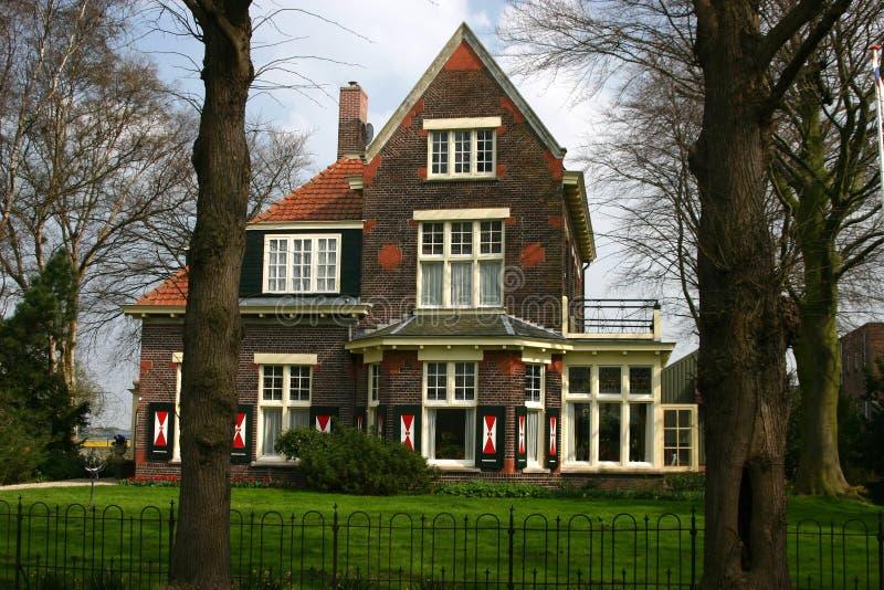 Maison hollandaise de ferme images stock