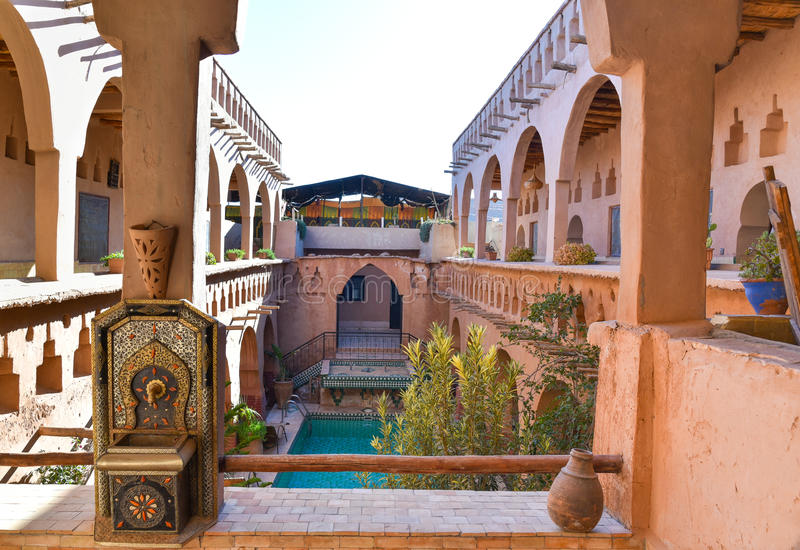 maison traditionnelle marocaine ventana blog. Black Bedroom Furniture Sets. Home Design Ideas