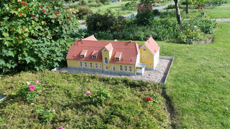 Maison miniature image libre de droits