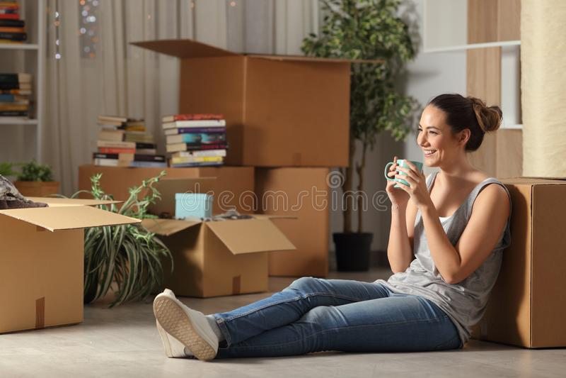 Maison mobile potable de repos de caf? de locataire heureux image stock