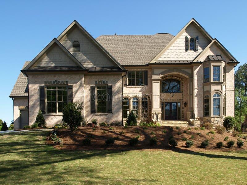 Maison mod le de luxe 1 photo stock image du r el norme 5213564 for Modele de maison de luxe