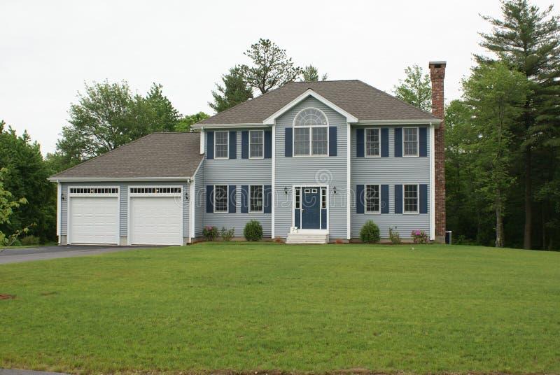 Maison moderne neuve photo stock image du moderne hypoth que 5861514 - Maison neuve moderne ...