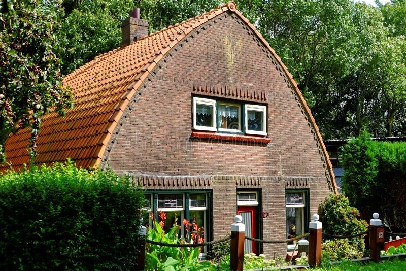 Maison néerlandaise traditionnelle de pays photos libres de droits