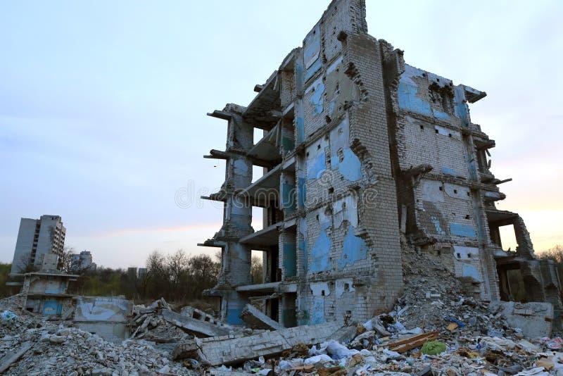 Maison perdue Ruines image stock