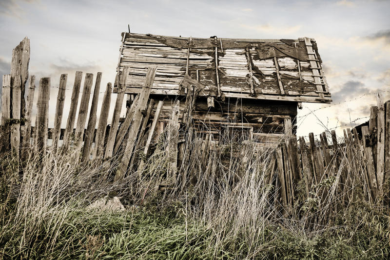 Maison rurale projetée en bois photos libres de droits