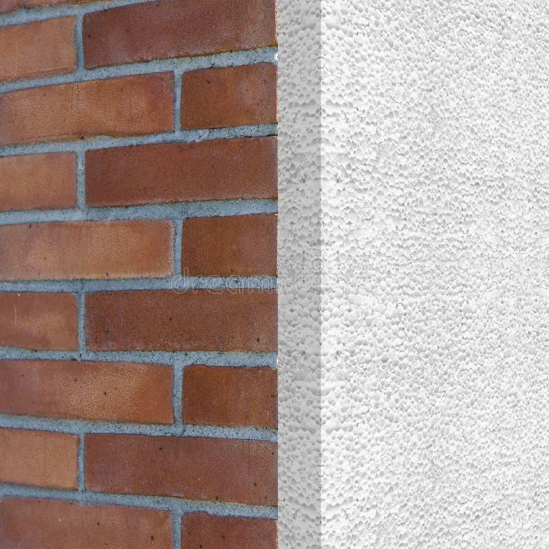 Maison thermiquement isolée avec des panneaux de polystyrène - bâtiments ènes illustration libre de droits