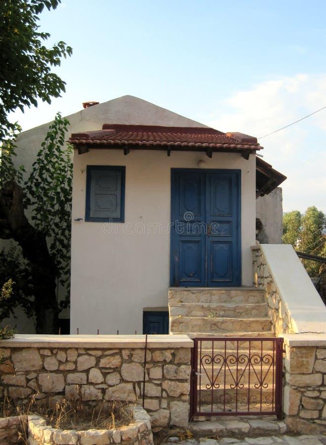 Maison traditionnelle d'un citoyen des îles grecques photos stock