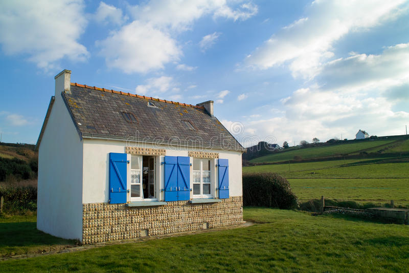 Maison traditionnelle dans brittany images stock
