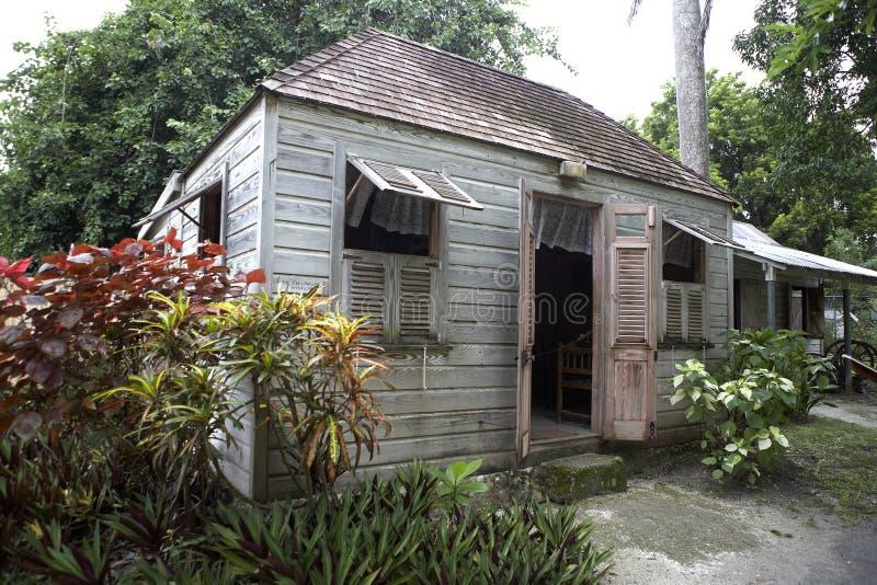 Maison traditionnelle de bien mobilier photos stock