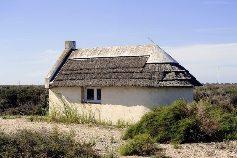 Maison traditionnelle de camargue photo stock image du for Maison de camargue