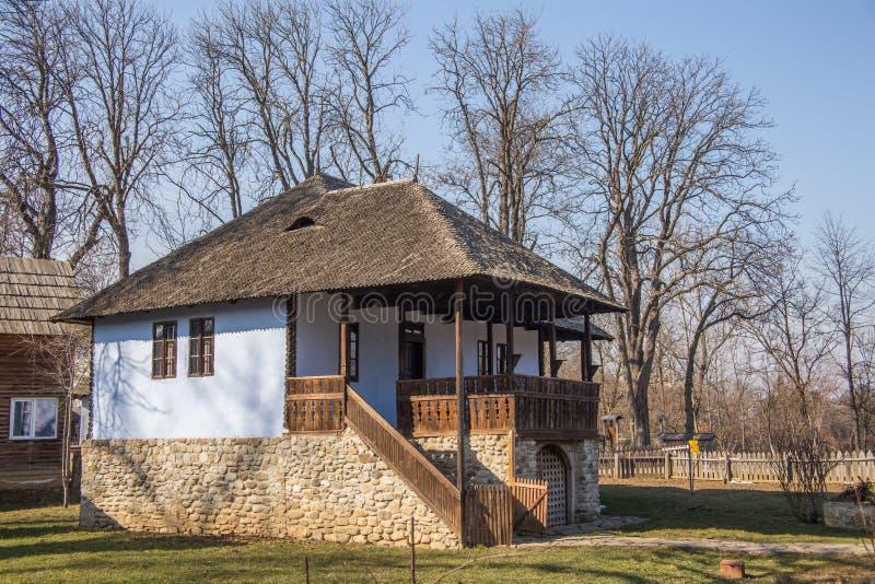 maison traditionnelle de campagne dans la zone rurale
