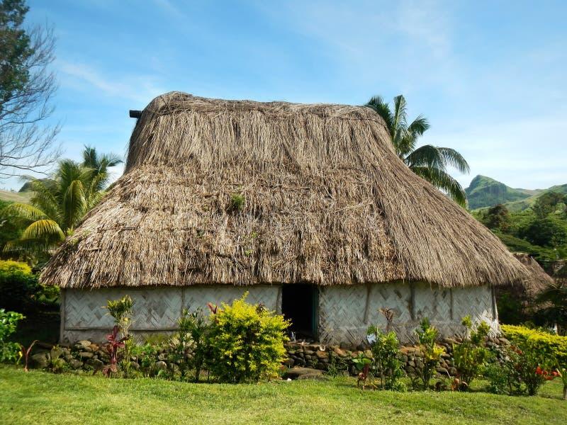 Maison traditionnelle de village de Navala, Viti Levu, Fidji photographie stock libre de droits