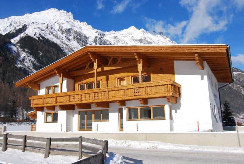 Maison traditionnelle du Tirol photos libres de droits