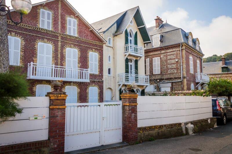 Maison traditionnelle française Etretat, Normandie, France photo libre de droits