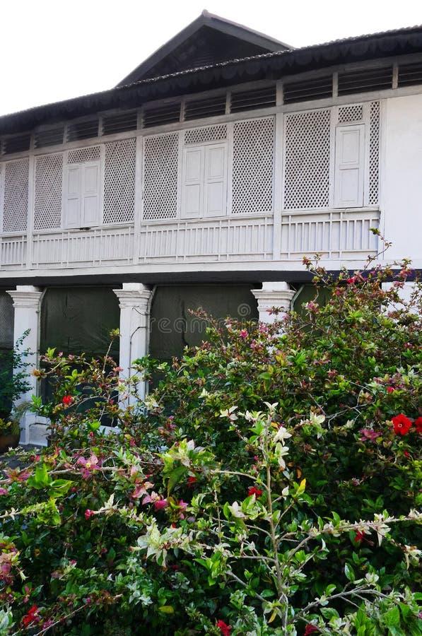 Maison tropicale, jardin photographie stock libre de droits