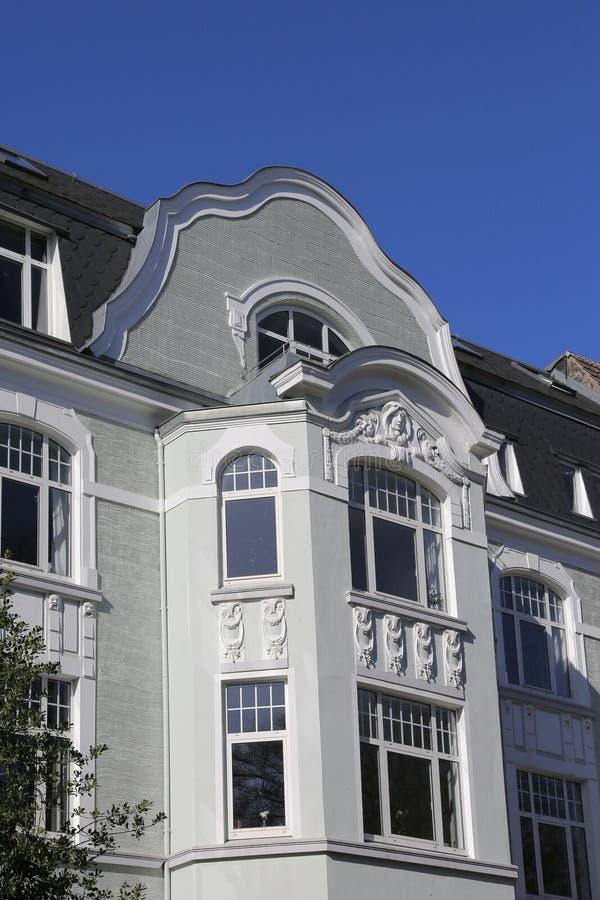 Maison urbaine d'Art Nouveau photos libres de droits