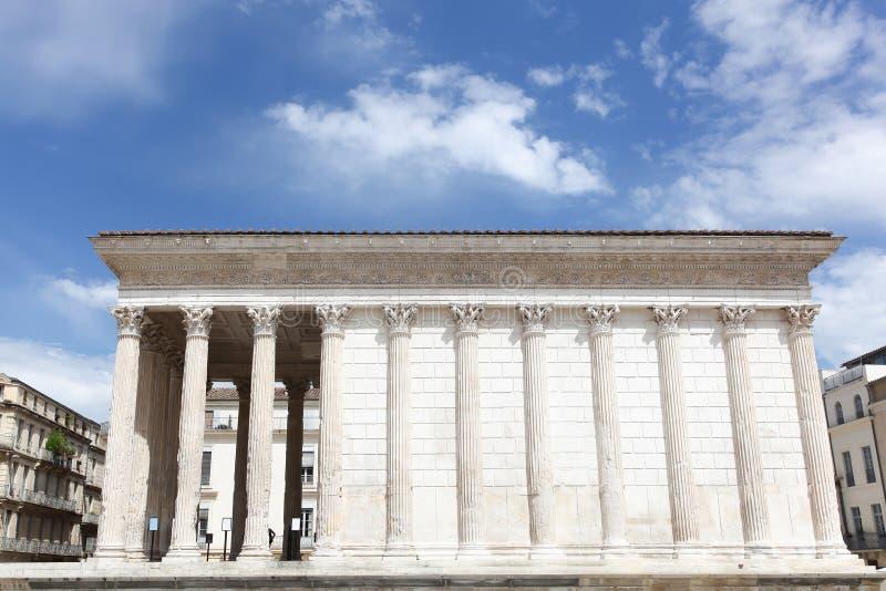 Maisonen Carree, roman tempel i Nimes, Frankrike fotografering för bildbyråer