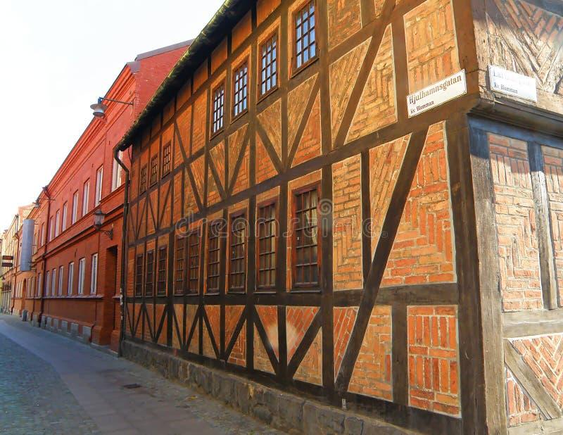 Maisons à colombage bricked impressionnantes au torg de Lilla ou à peu de place de Malmö photos libres de droits