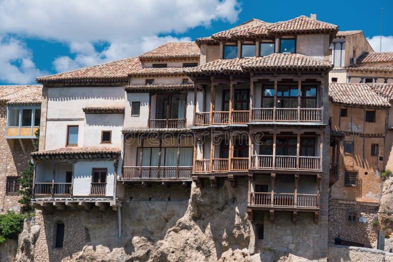 Maisons accrochantes à Cuenca, Espagne images stock