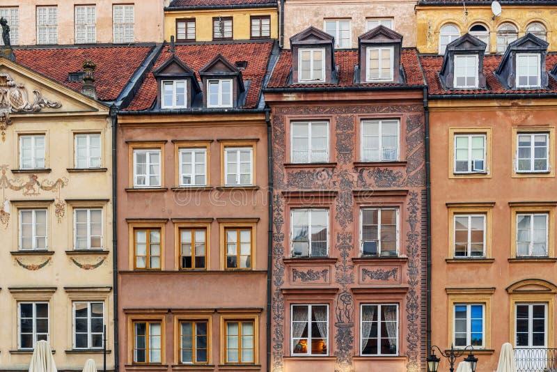 Maisons antiques à la place du marché de la vieille ville à Varsovie poland photo libre de droits