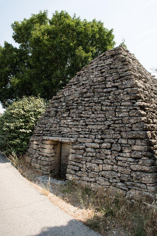 Maisons antiques d'âge du bronze de Bories en Provence, France image stock