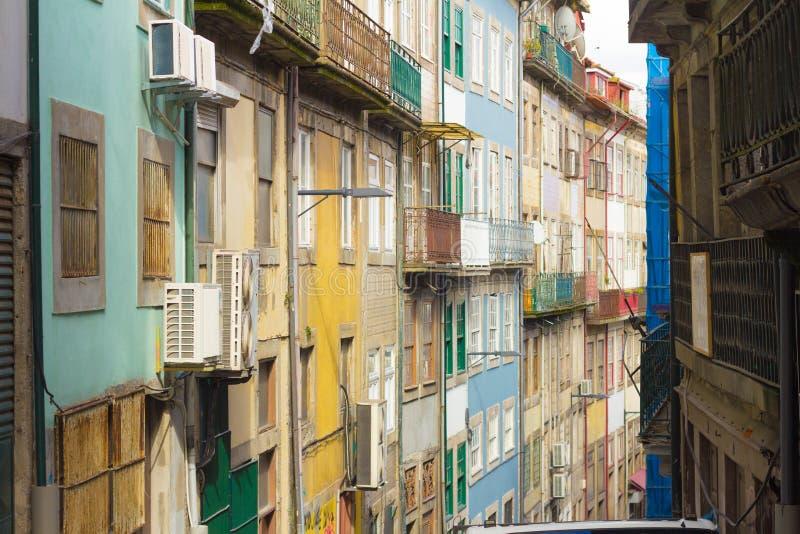 Maisons colorées à Porto photo stock