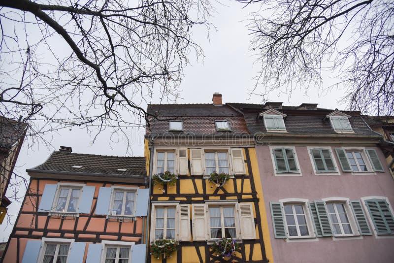 Maisons colorées étranges dans la ville de Colmar, Alsace, France, l'Europe photos stock
