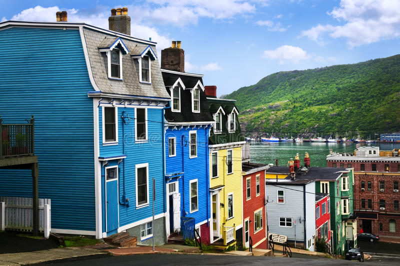 Maisons colorées dans la rue John photos libres de droits