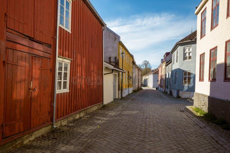 Maisons colorées dans la vieille ville de Trondheim photographie stock