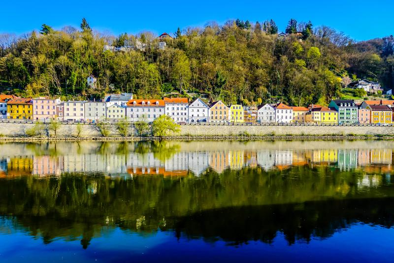 Maisons colorées de Passau Bavaria Allemagne photographie stock libre de droits