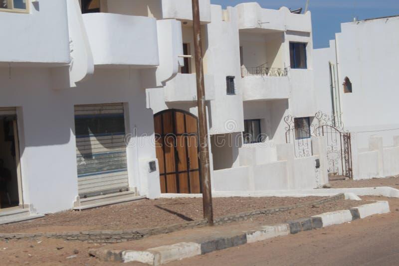 maisons dans la ville de Dahab photos stock