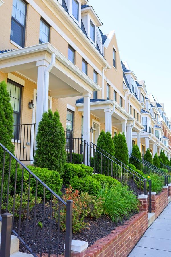 Maisons de rangée dans un voisinage dans le Washington DC images libres de droits