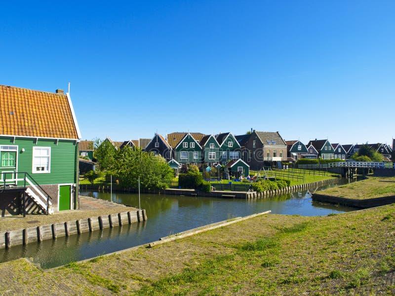 Maisons de Scenics dans Marken, Hollandes image stock